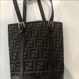 Vintage fendi bucket bag